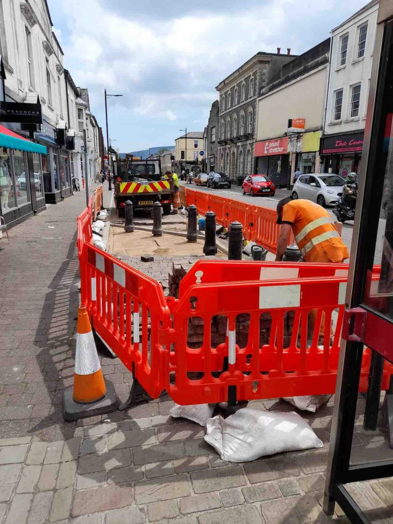 our-aberdare-business-improvement-district-bid-footfall-shop-local-kerb-appeal-street-cafe-furniture-bollards-council-servinis