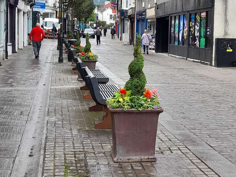 our-aberdare-bid-business-improvement-district-look-feel-kerb-appeal-community-wealth-local-economy-footfall-tourism-wales-cynon-valley-planters-1