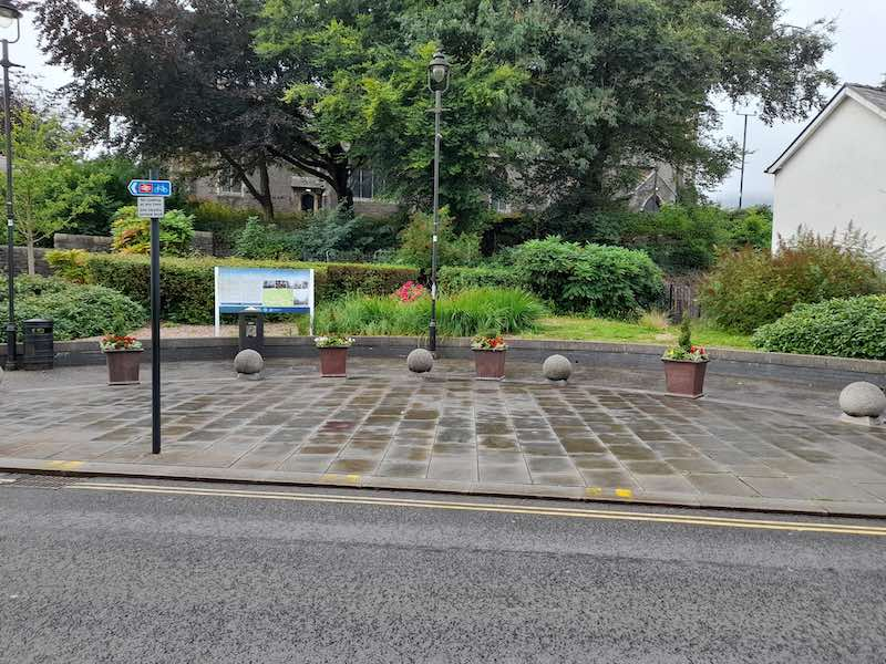 our-aberdare-bid-business-improvement-district-look-feel-kerb-appeal-community-wealth-local-economy-footfall-tourism-wales-cynon-valley-planters-3